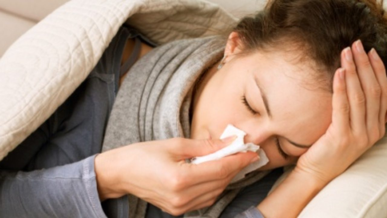 Cómo detener los ojos llorosos sinusales
