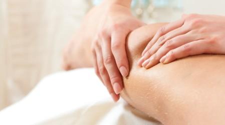 Un masaje para los músculos doloridos. ¿Cómo encontrar alivio en el hogar?