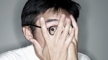 10 sucesos que te hacen sentir loco… pero no lo estás