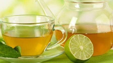 ¿Cuáles son los beneficios de beber té verde con limón y miel?