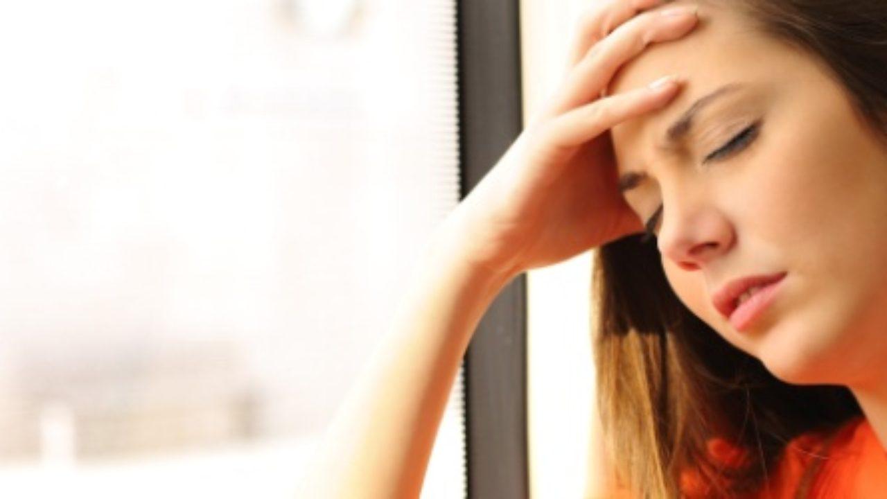 Dolor de cabeza y nauseas constantes