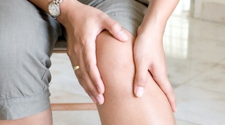 ¿Cómo se quitan los calambres en las piernas?