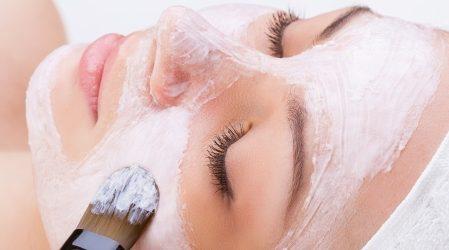 Exfoliante facial casero para pieles con imperfecciones